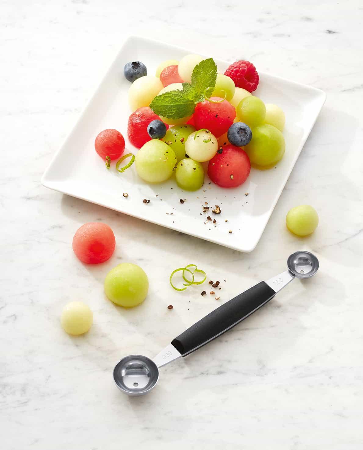 triangle Kugelformer professional doppelt mit Melonenbällchen und Melonensalat Obstsalat Melonenausstecher