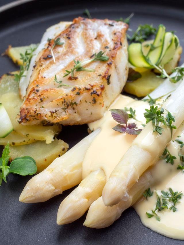 Spargel Fisch Bratkartoffeln hollandaise