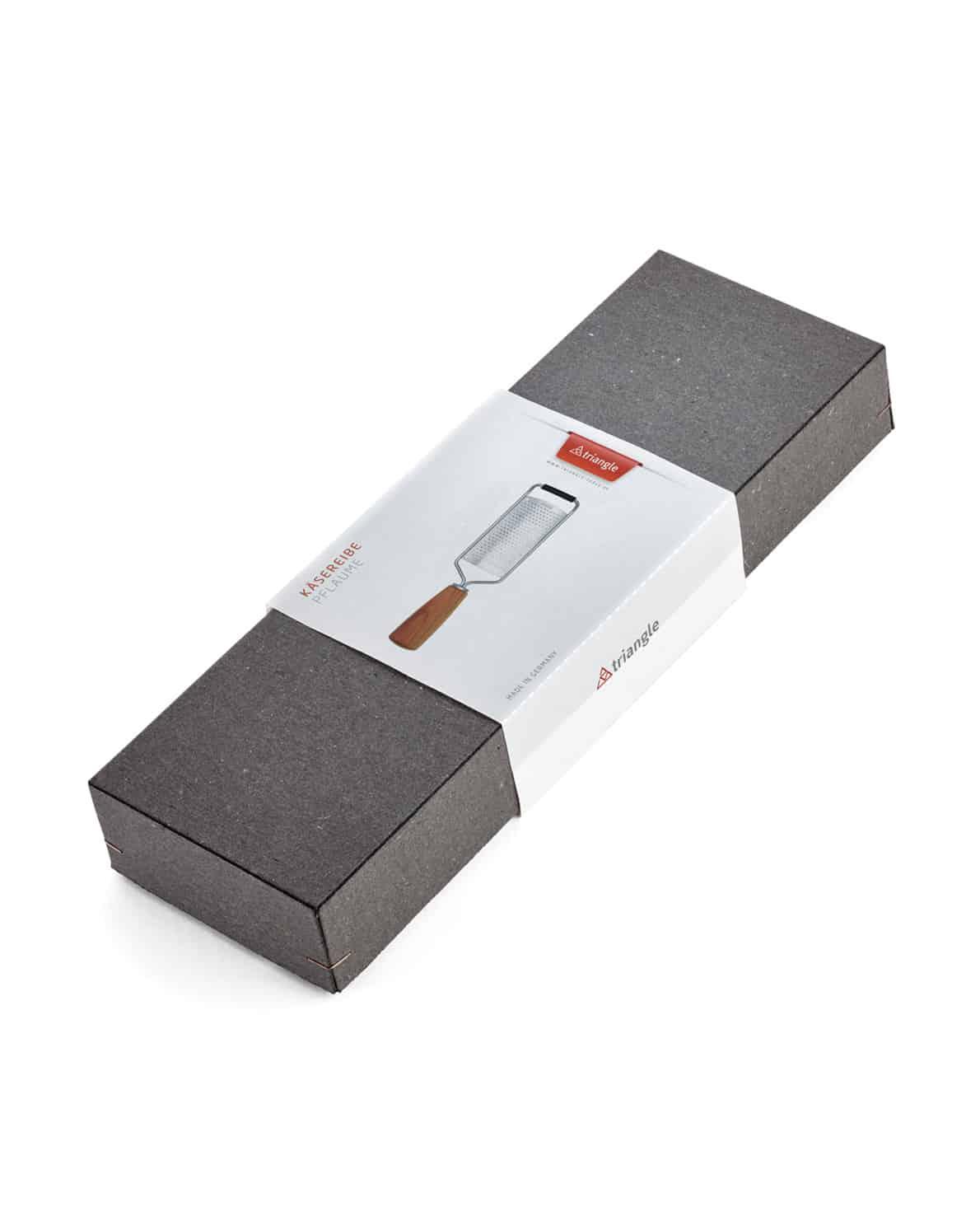 triangle Käsereibe Soul mit Holzgriff aus Pflaume Parmesanreibe Zester Holz Küchenwerkzeug Küchenwerkzeuge Küchenhelfer Made in Germany aus Deutschland Solingen nachhaltig umweltfreundlich kaufen Shop Onlineshop